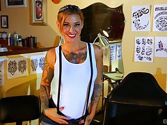 Tattooed hottie Kleio Valentien enjoys unchanging sex games with her friend