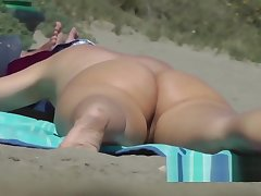 Sexy Body Nudist brunnette close up beach voyeur spycam