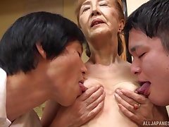 Threesome with mature Asano Taeko is a fantasy of those horny dudes