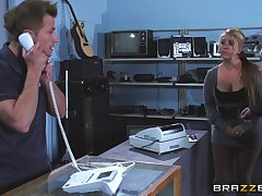 Desirable blonde MILF Chloe Addison moans by means of outlook fucking