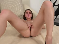 Evelina Lover Hide out Clad