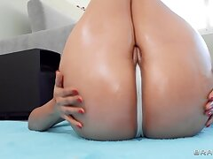 Latina nympho with stupendous booty fucks jordi
