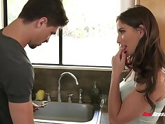 Hefty plumber gets to fuck a beautiful seductress Molly Jane