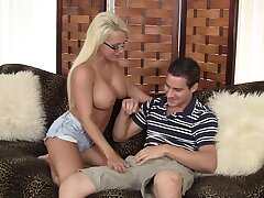 Special treat for the busty stepmom