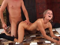 Alluring Babe in arms Gets Her Face Cum Covered