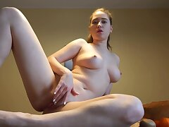 Hot ass amateur Alexa Rovento drops her yoga pants nearby masturbate