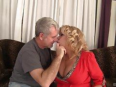 milf Karen Summer loves all different intercourse poses thither her elder statesman friend